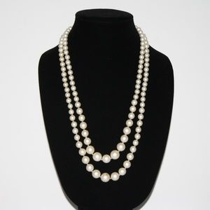 Beautiful Long Vintage pearl necklace